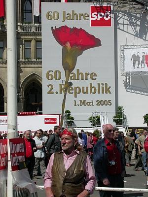 Quelle: http://austria-forum.org/af/Wissenssammlungen/Symbole/Blume